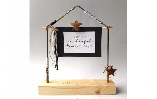 diy pakket huisje huis decoratie interieur raam staal hout kralen kerstmis