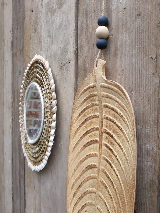 eigenhoutje interieur decoratie hout veer accessoires
